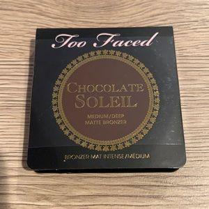 New Chocolate Soleil Medium/Deep Matte Bronzer